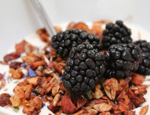 Paleo granola recipe with flowers | Low carb, paleo, gluten free