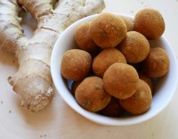 Image of ginger chickpea bliss balls, yummy but also healthy with anti-nausea effect due to the ginger, from calmerme.com